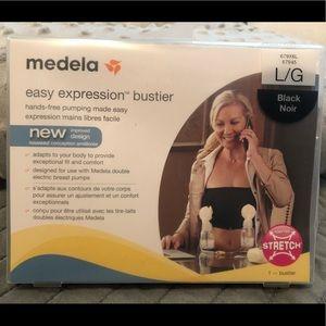 Medela hands-free pumping
